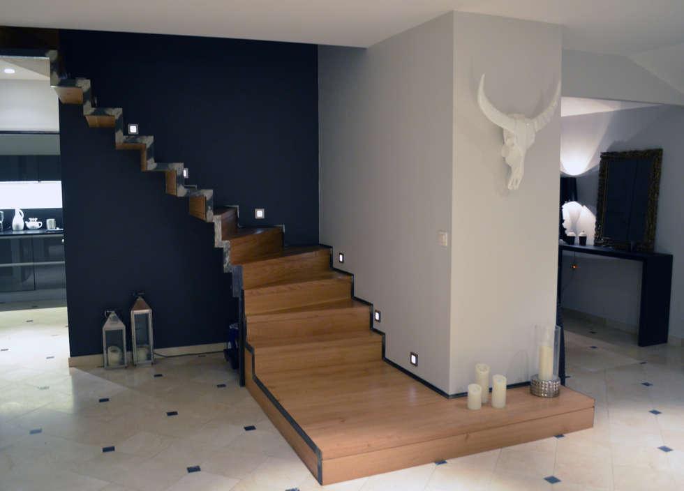 VILLA M: Maisons de style de style Moderne par EVA MYARD interior