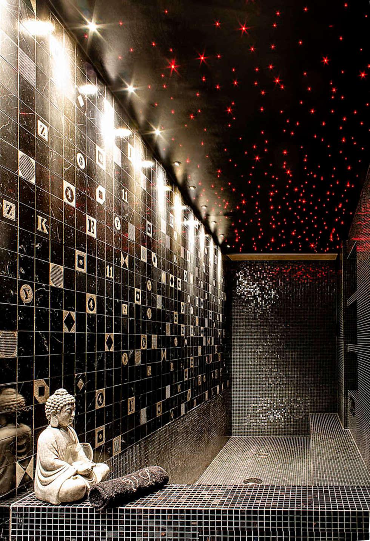 Indoor pool: Bagno in stile in stile Moderno di Matteo Gattoni - Architetto