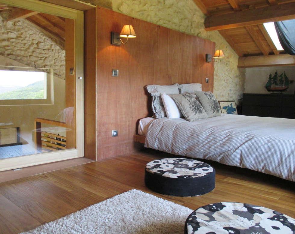 La chambre sous les toits:  de style  par Christelle Morard Chataigner