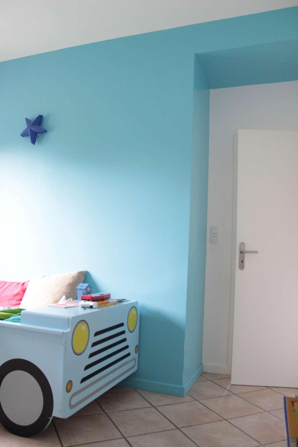Maison - Grenoble: Chambre d'enfant de style de style eclectique par ISIT ARCHITECTURE