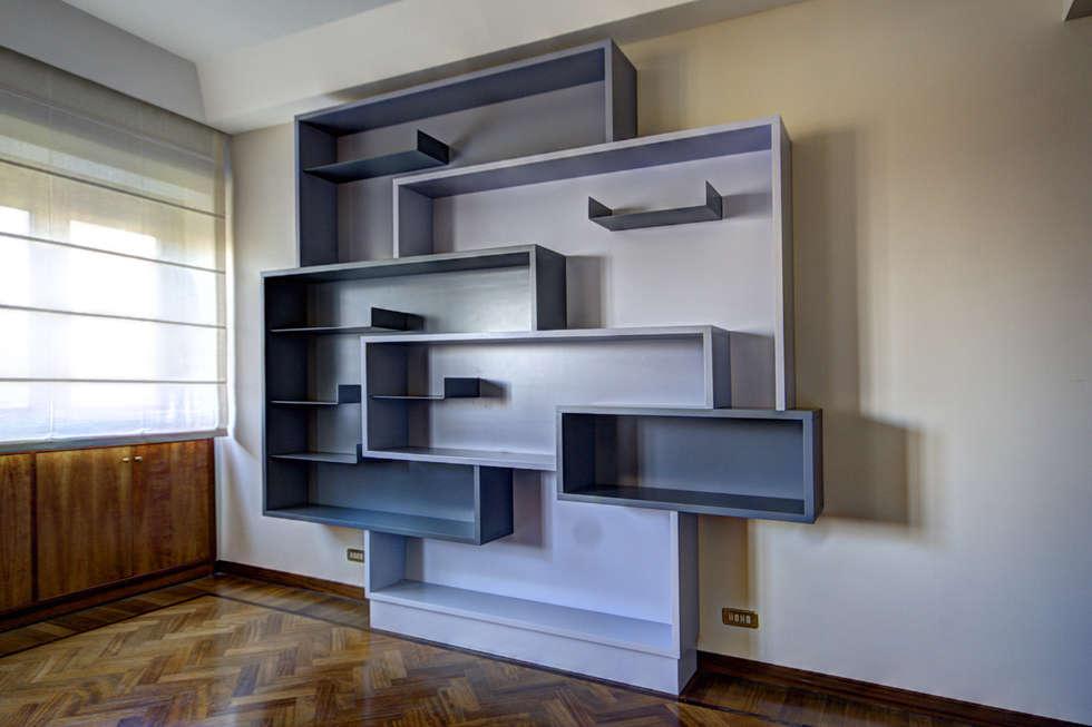 Libreria: Soggiorno in stile in stile Moderno di Federico Celletti
