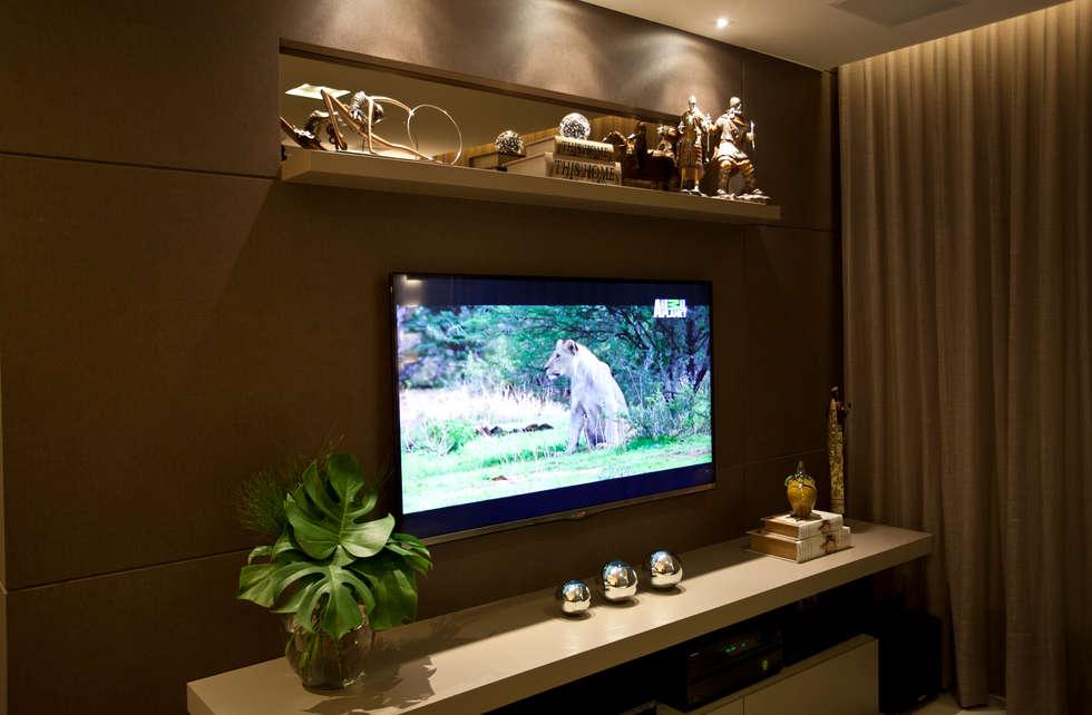 HOME: Salas de estar modernas por Leles Arquitetura e Iluminação