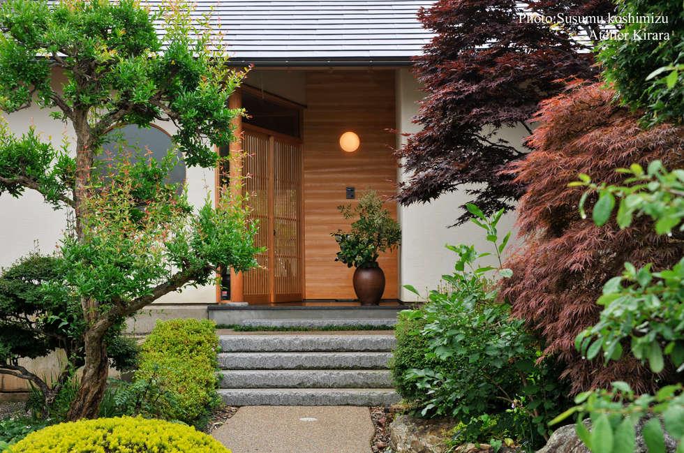 足利の家「素材と景色を楽しむ家」: アトリエきらら一級建築士事務所が手掛けた庭です。