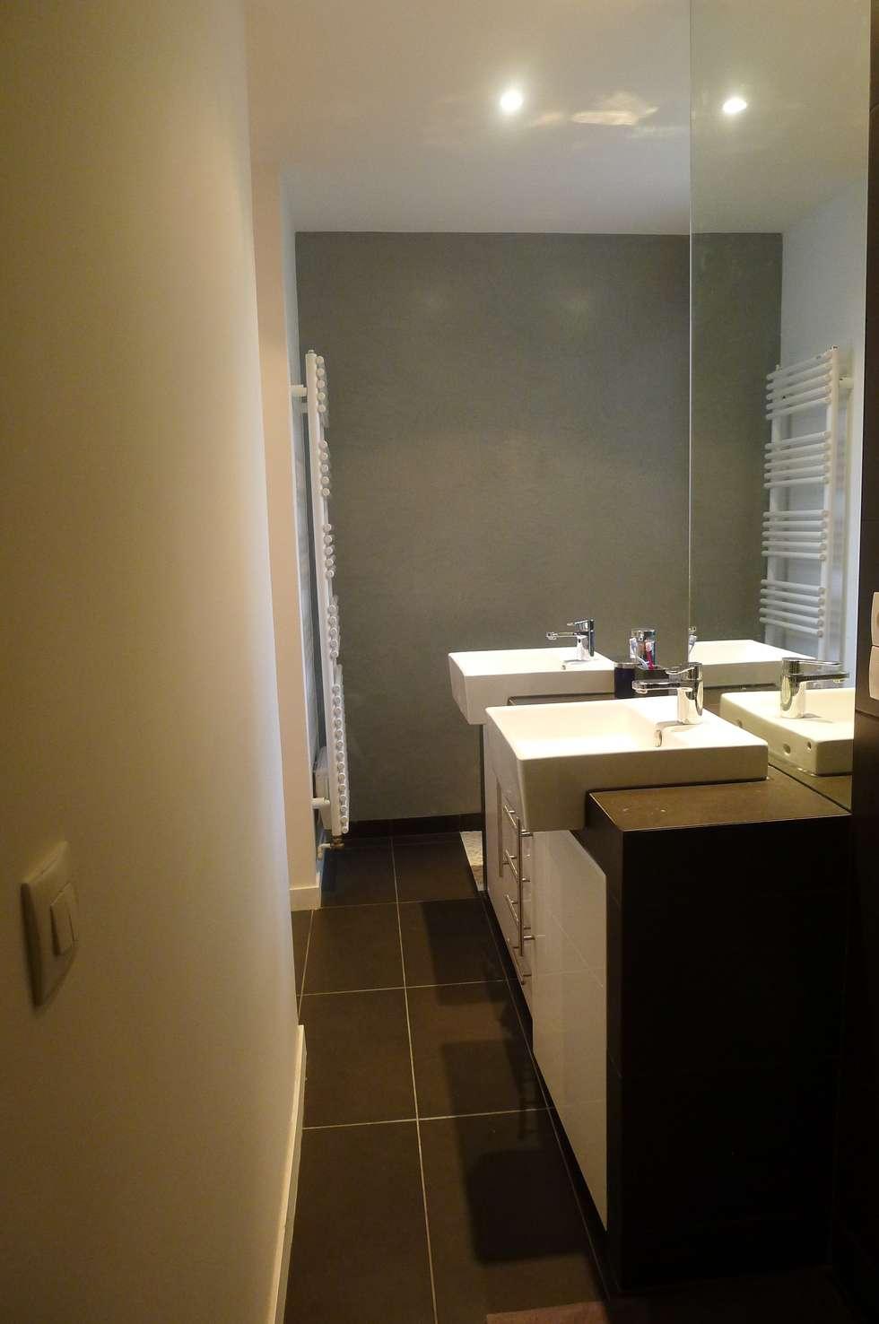 salle de bain: Salle de bains de style  par Arielle Apelbaum Sela