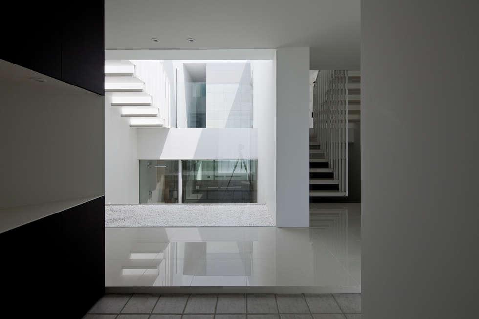 entrance 1: YUCCA designが手掛けた家です。