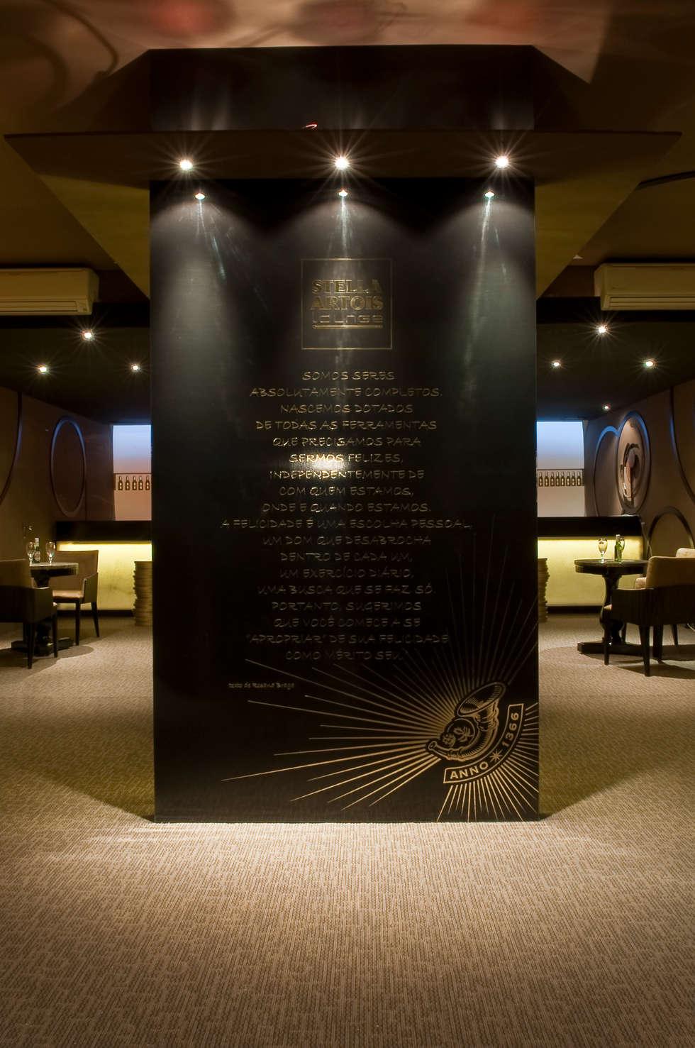 CERVEJARIA LOUNGE  para a marca Stella Artois : Espaços comerciais  por Adriana Scartaris design e interiores