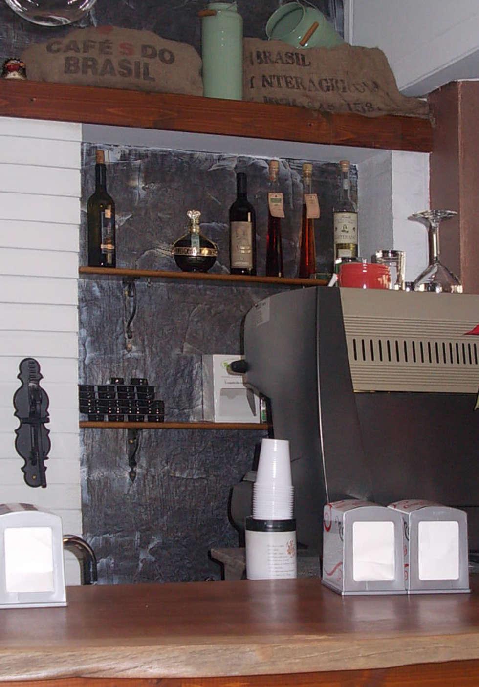 Banco Bar: Negozi & Locali commerciali in stile  di Studio tecnico associato 'Il Progetto'