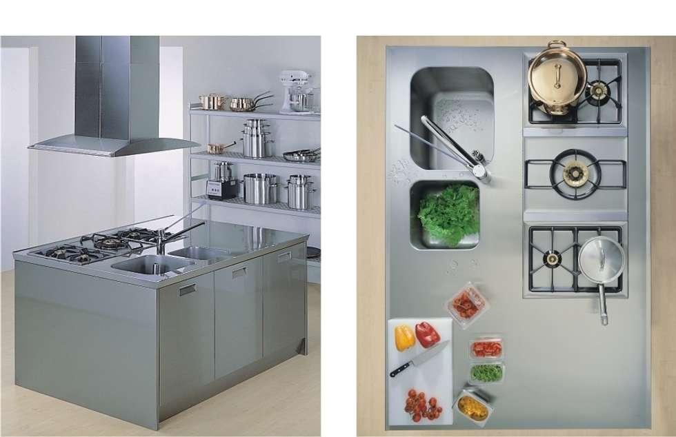Kipro Kitchen bettini design.: Cucina in stile in stile Industriale di bettini design