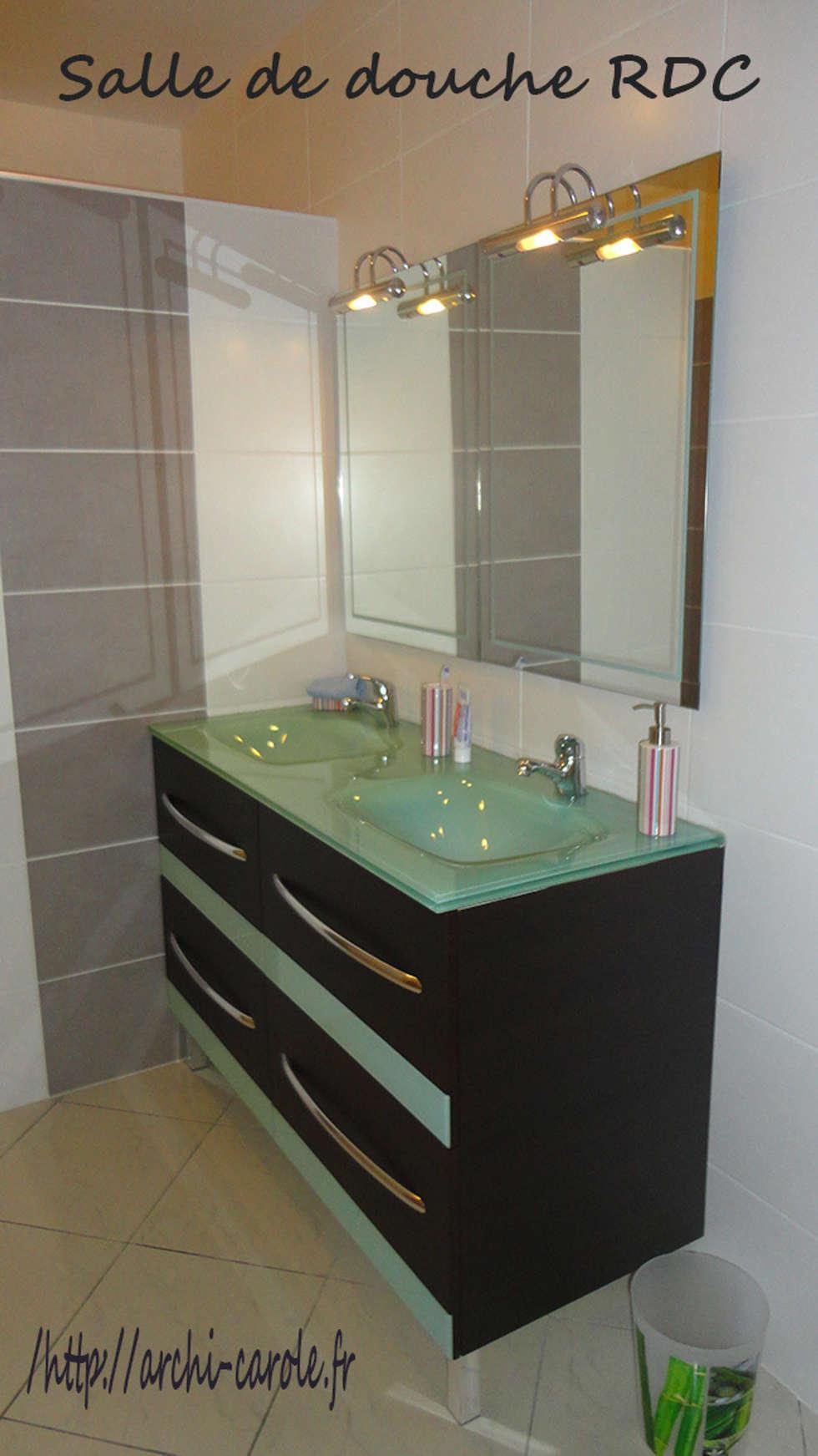 Salle de bain  2: Salle de bains de style  par Architecte Egrefeuille Carole