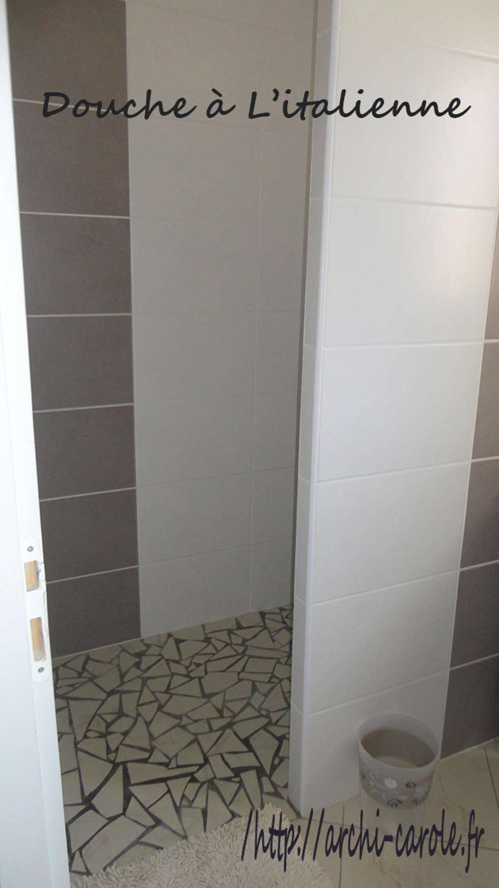 Douche italienne en mosaique: Salle de bains de style  par Architecte Egrefeuille Carole