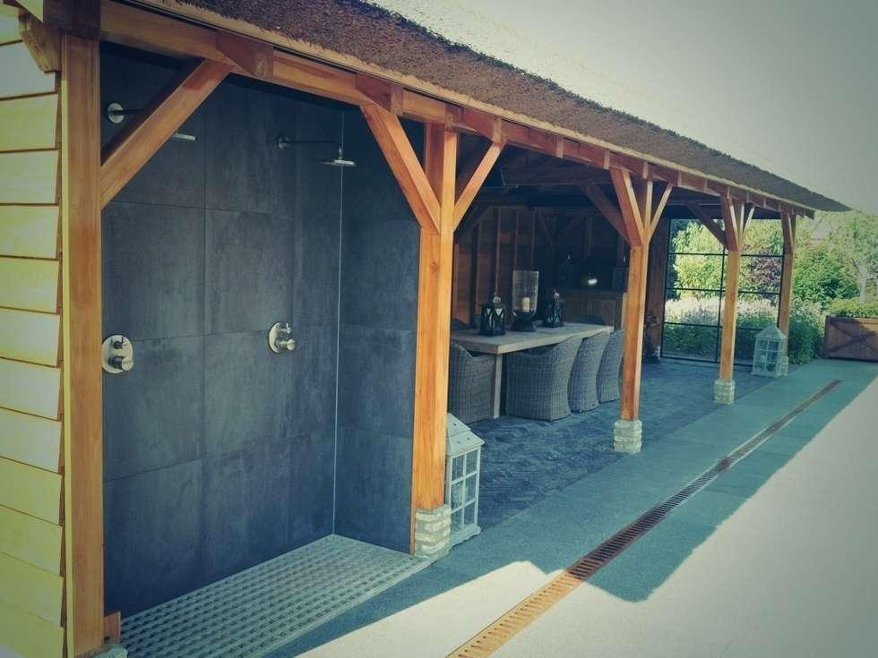 Paviljoen met buitendouches en buitenkeuken rustieke brocante