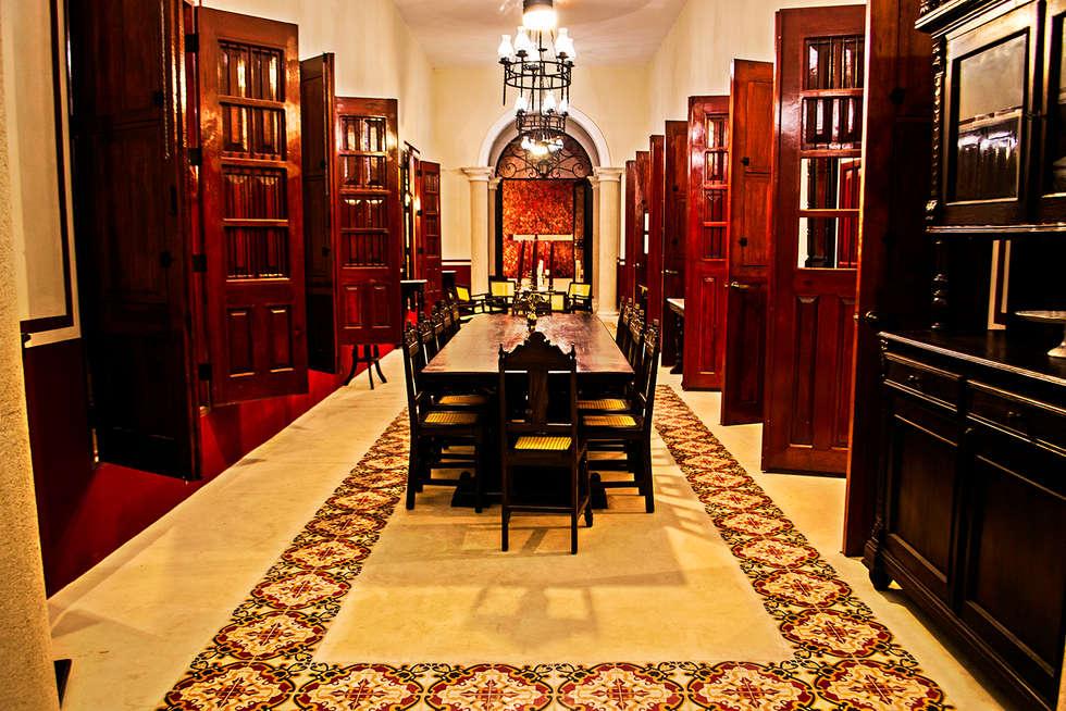 Sala y comedor: Comedores de estilo colonial por Arturo Campos Arquitectos