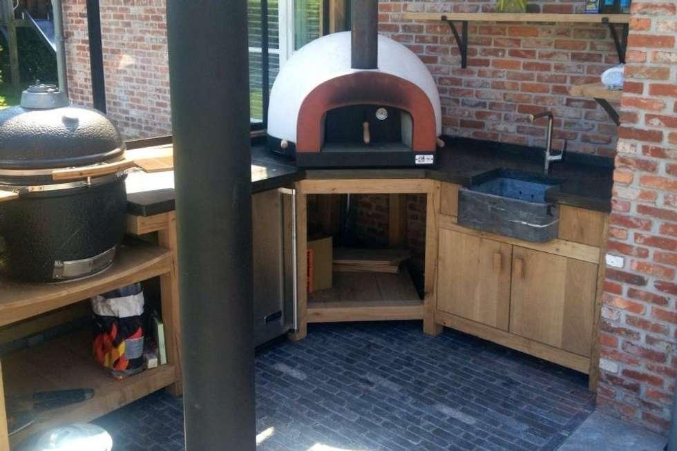 Pizzaoven in buitenkeuken klasieke tuin door stam hoveniers homify