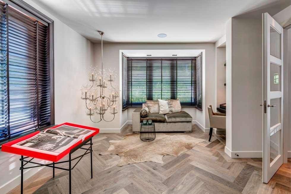 Woonvilla blaricum moderne woonkamer door kabaz homify