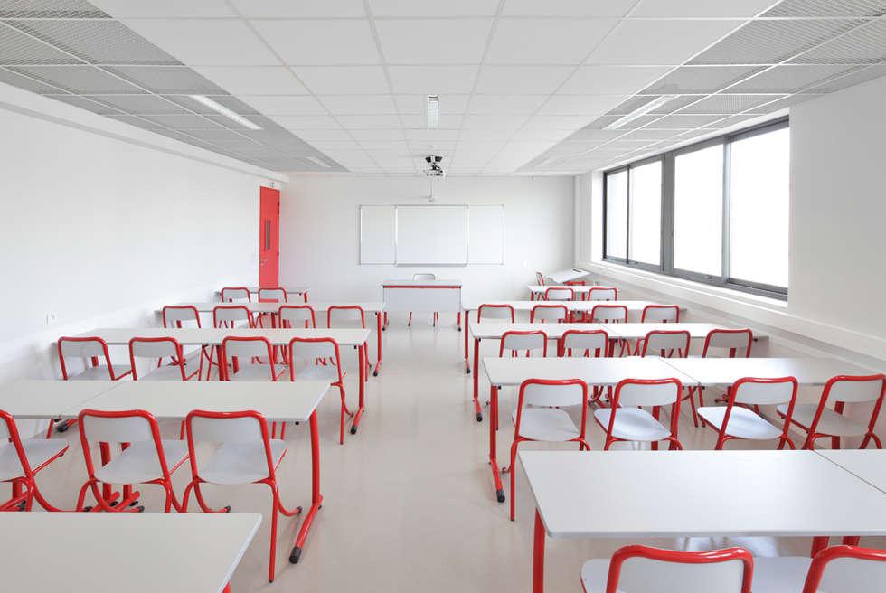 Salle de classe: Ecoles de style  par  Hellin Sebbag architectes associés