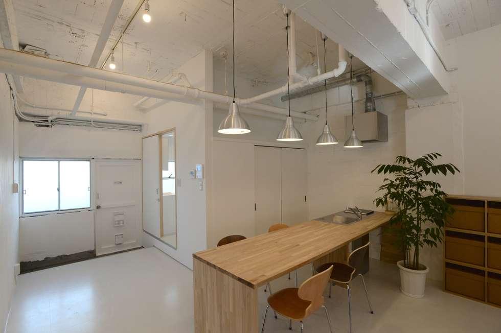 Cozinhas modernas por SHUSAKU MATSUDA & ASSOCIATES, ARCHITECTS