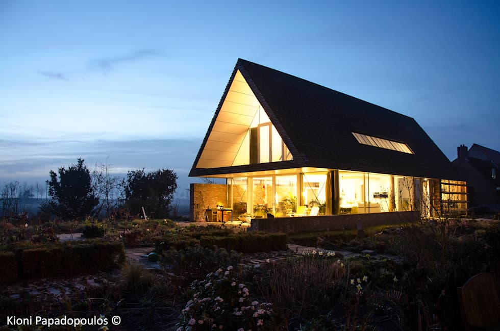 vrij wonen: moderne Huizen door Ton Altena Architect