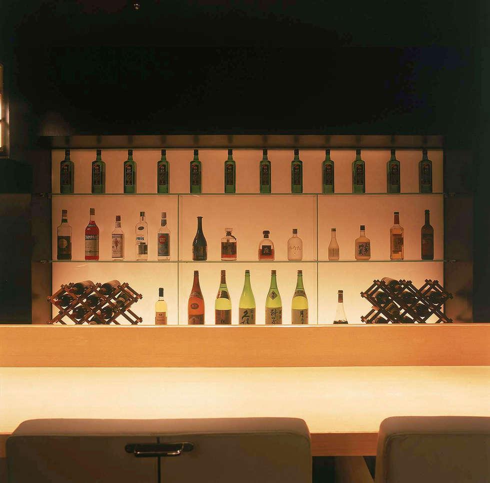 Counter seat-2: Shigeo Nakamura Design Officeが手掛けたオフィススペース&店です。