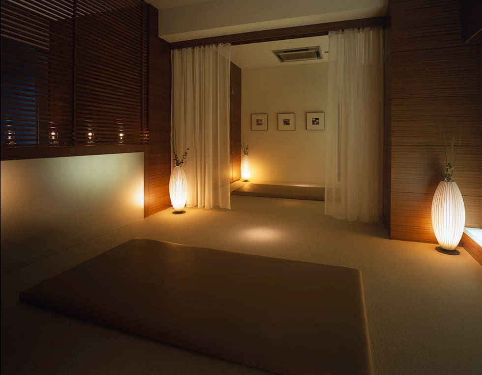 Massage area-2: Shigeo Nakamura Design Officeが手掛けた病院です。
