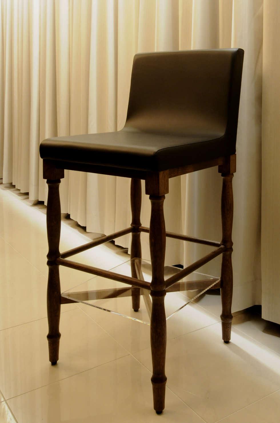 オリジナルハイチェアー: Shigeo Nakamura Design Officeが手掛けたオフィススペース&店です。
