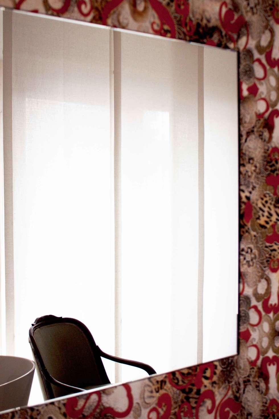 camera da letto: Camera da letto in stile in stile Moderno di davide petronici | architettura
