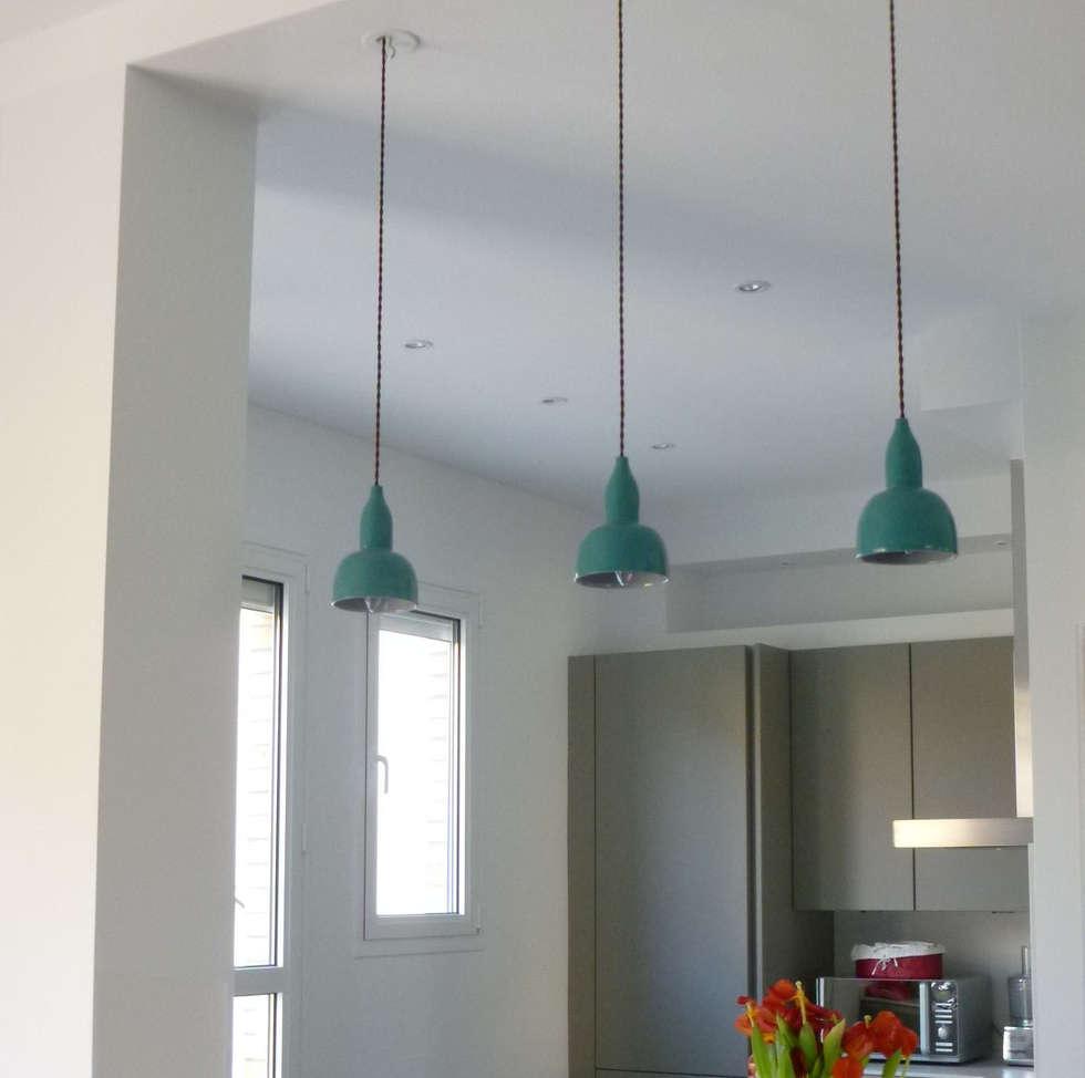 Cuisine ouverte: Cuisine de style de style Moderne par Architectures²