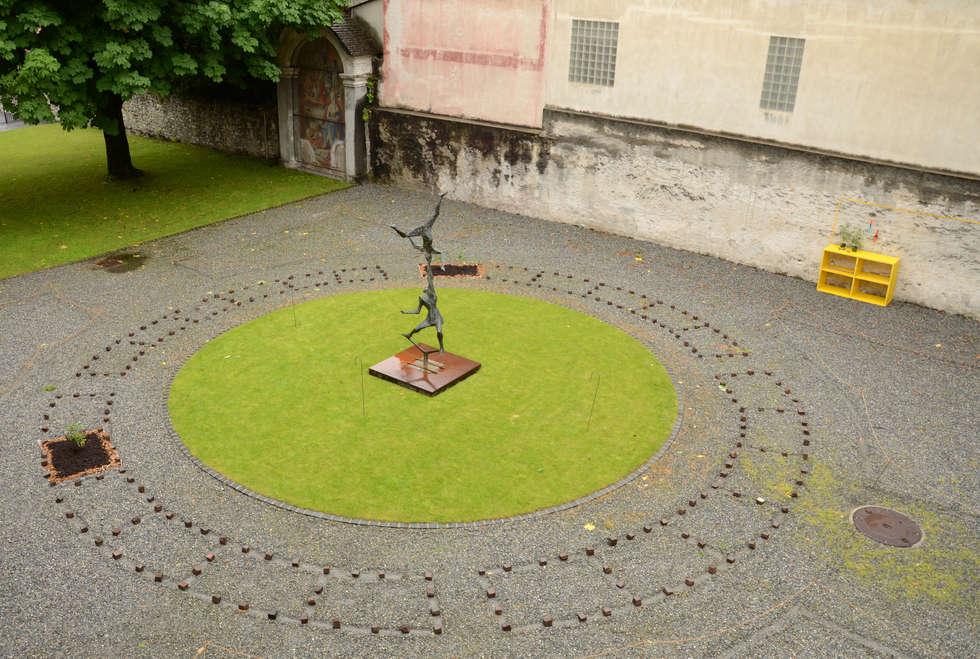 Aménagement d'une place: Jardin de style de style eclectique par Design & Visual Concept