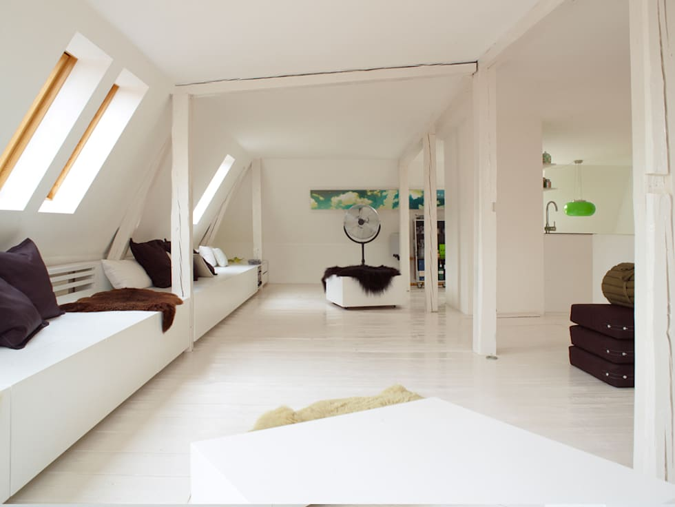 Uberlegen Dachausbau Mit Einbauelement Bank Mit Stauraum: Moderne Wohnzimmer Von  InteriorPark.