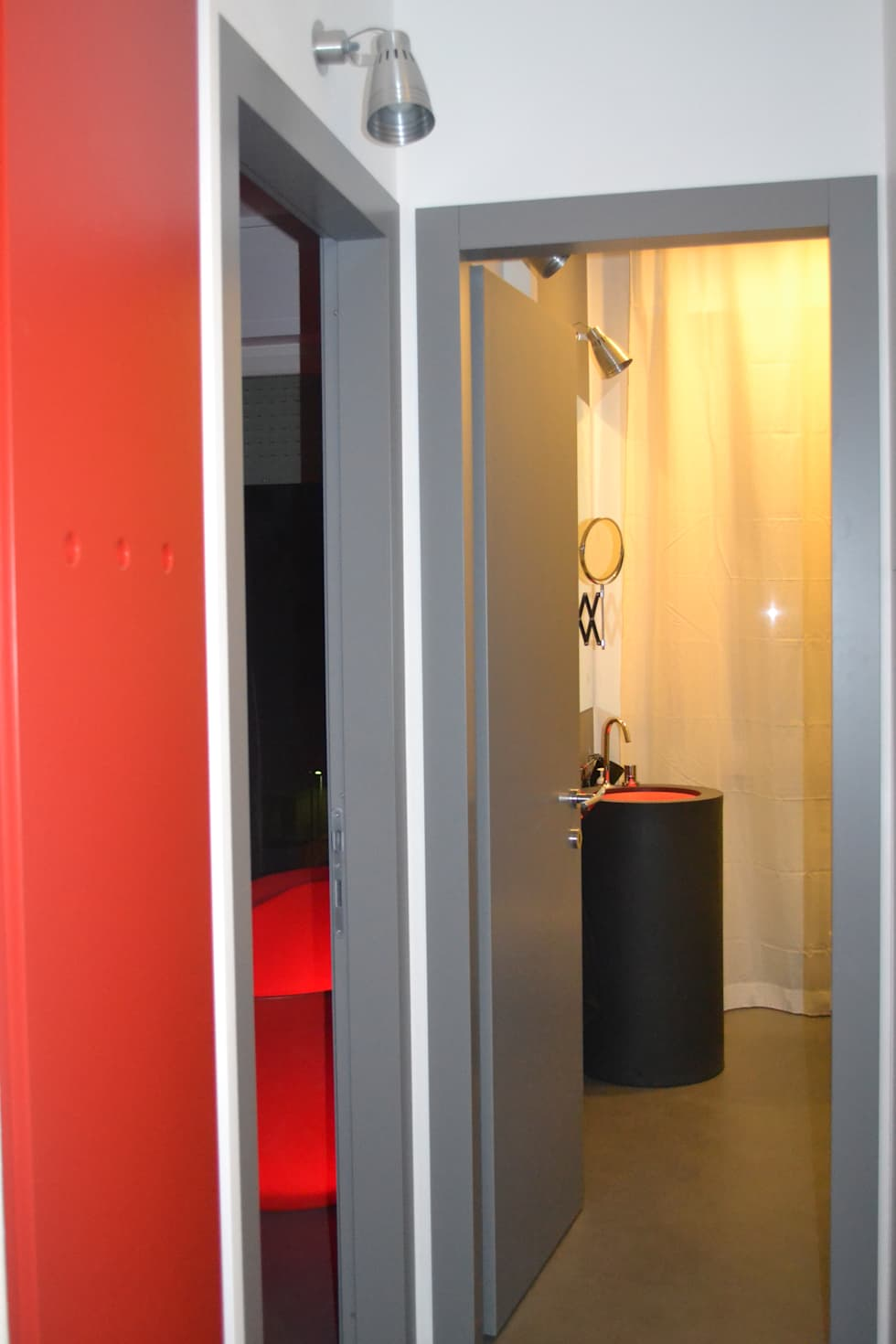 Sanitari luminosi: Spa in stile in stile Moderno di LUTOPIE Luisa Bernasconi