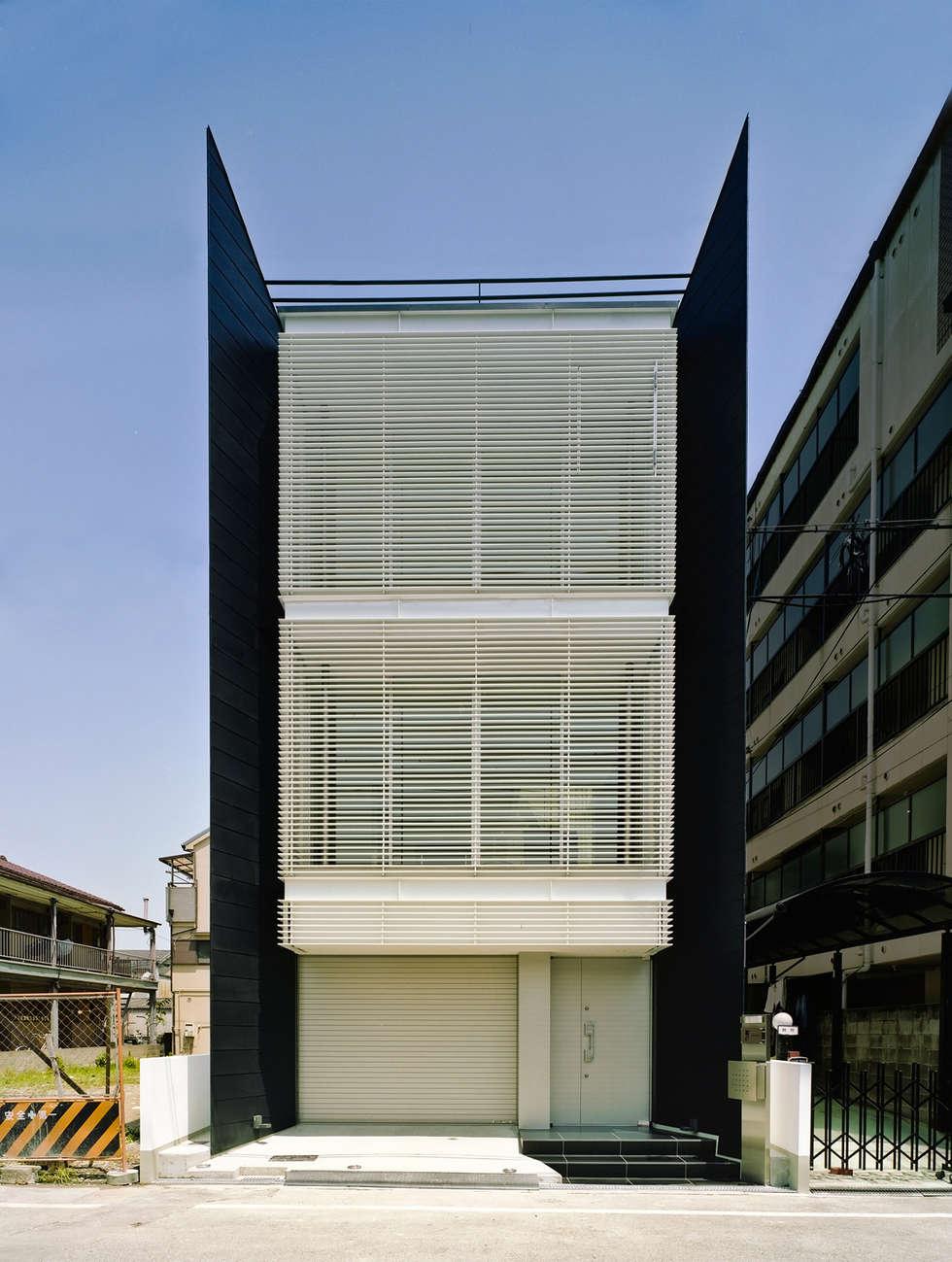 ファサード1: 岩井文彦建築研究所が手掛けた家です。