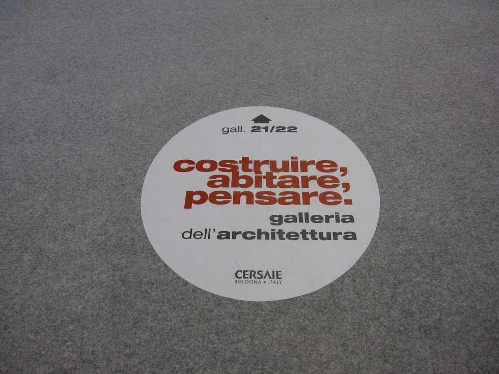 Galleria dell'Architettura-Cersaie 2014: Allestimenti fieristici in stile  di Foschi & Nolletti Architetti