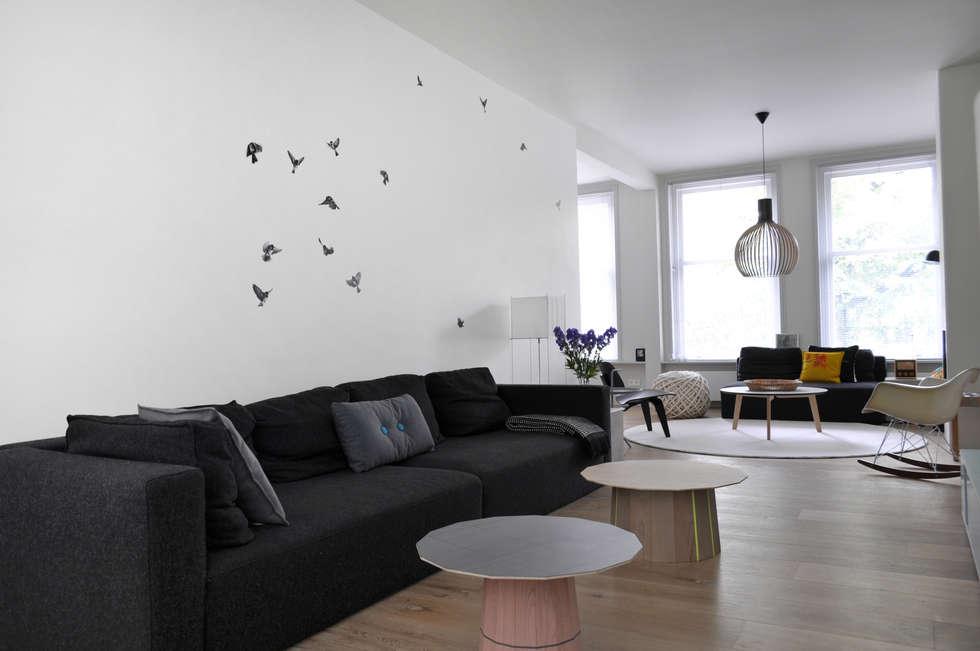 Wallpaper Sparrow: minimalistische Woonkamer door Snijder&CO