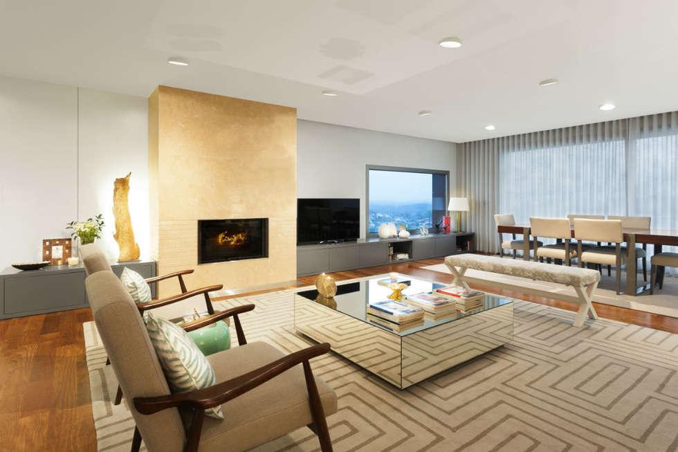 Family Room: Salas de estar modernas por Ana Rita Soares- Design de Interiores