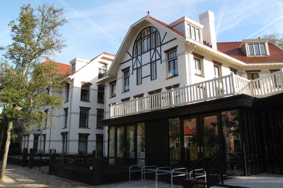 Noordwest-gevel: klasieke Huizen door Vos | Hoffer | vdHaar architecten