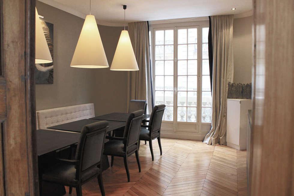 "Coin salle à manger façon ""Bistrot' parisien"": Salle à manger de style de style Moderne par STUDIO SANDRA HELLMANN"