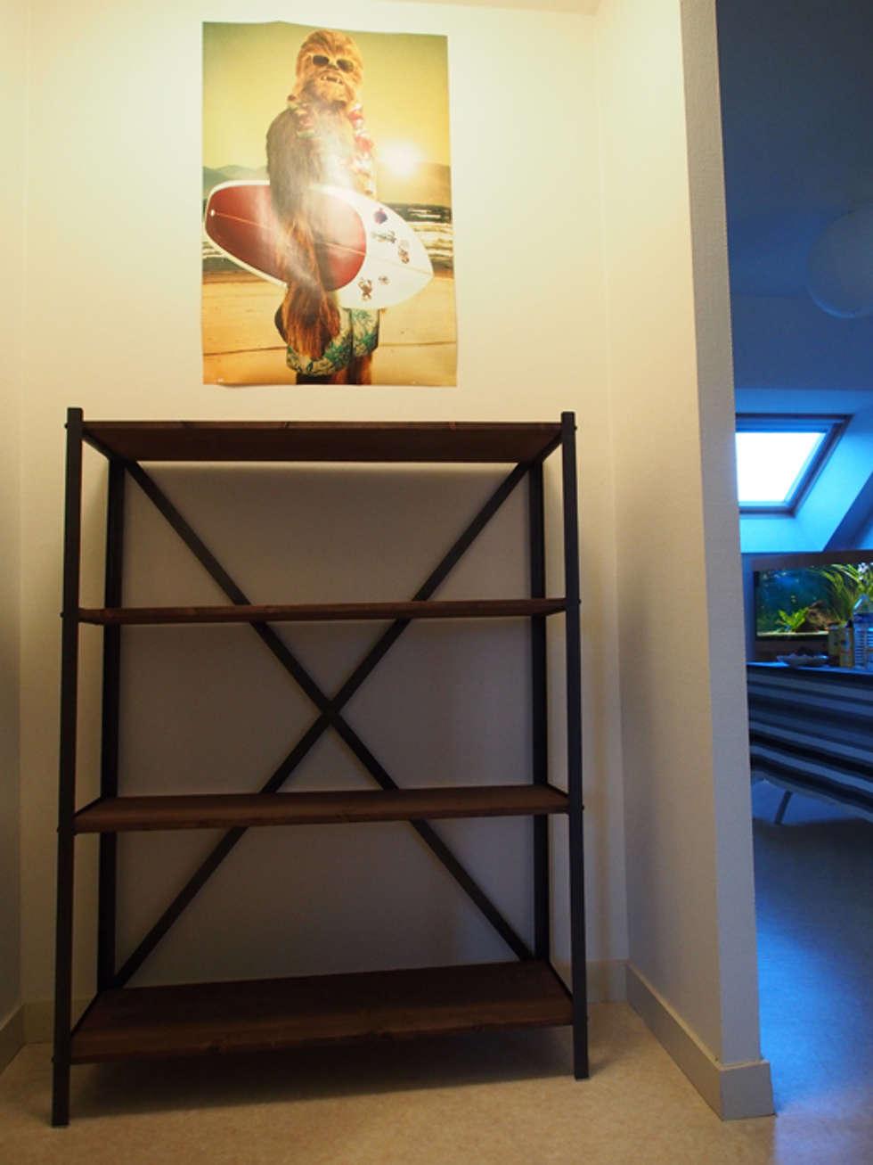 Etagère bois et métal sur-mesure : Couloir et hall d'entrée de style  par Hewel mobilier