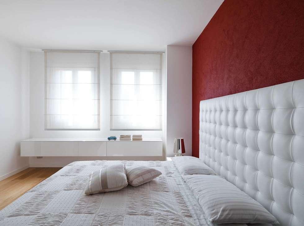 SANSON ARCHITETTI: Camera da letto in stile in stile Minimalista di SANSON ARCHITETTI