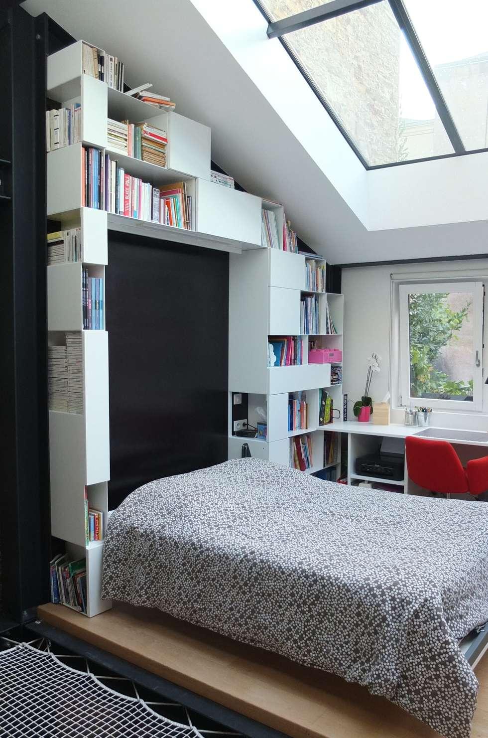 Espace de vie optimisé: Chambre de style de style Moderne par emmanuelle depret designer