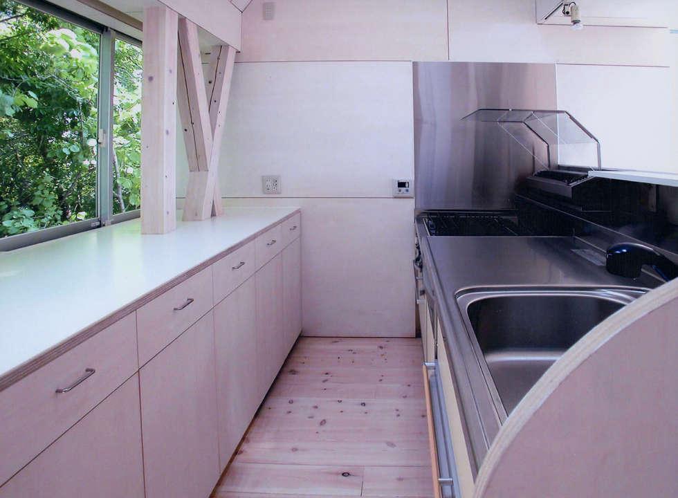 K&K-HOUSE キッチン: M4建築設計室が手掛けたキッチンです。
