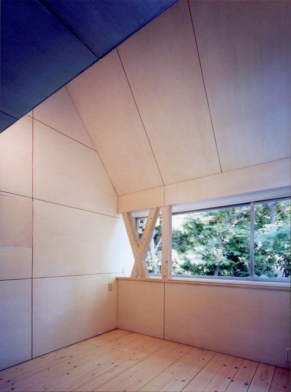 K&K-HOUSE 寝室: M4建築設計室が手掛けた寝室です。