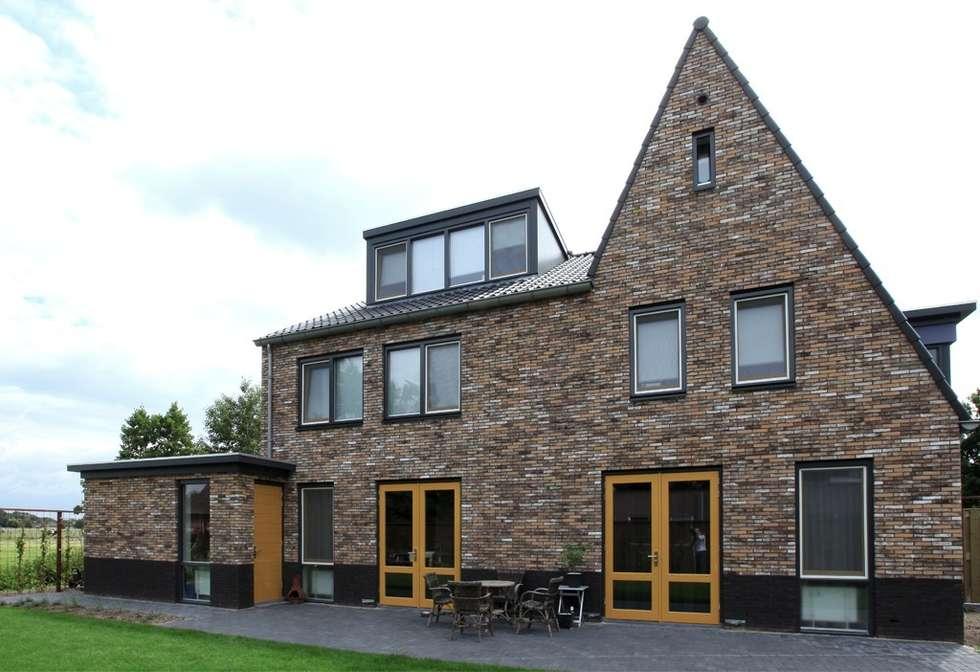 Gezinshuis De Glind: moderne Huizen door Archivice Architektenburo
