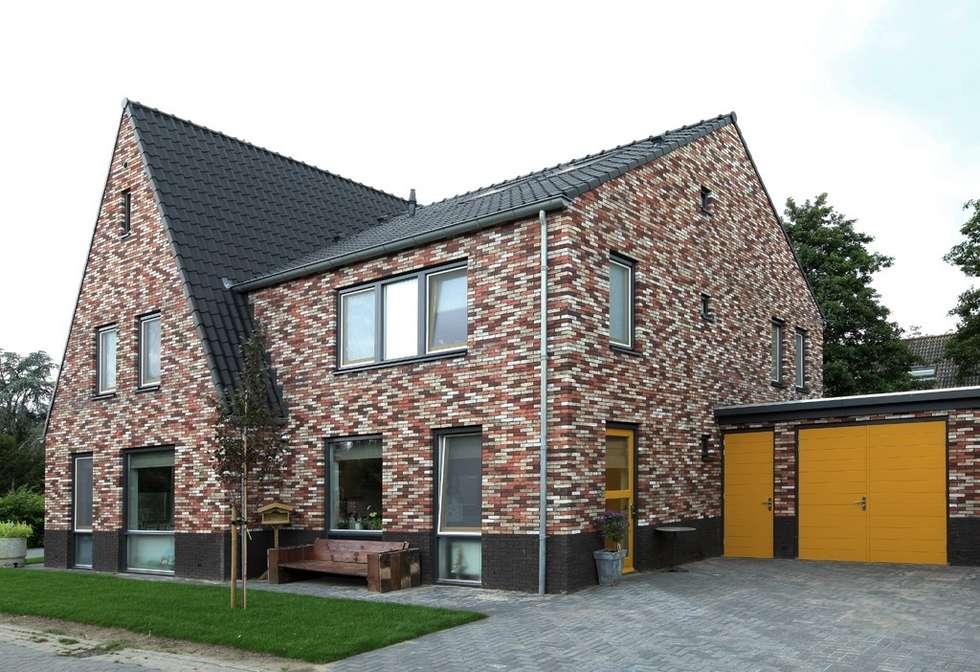 Projekty, nowoczesne Domy zaprojektowane przez Archivice Architektenburo