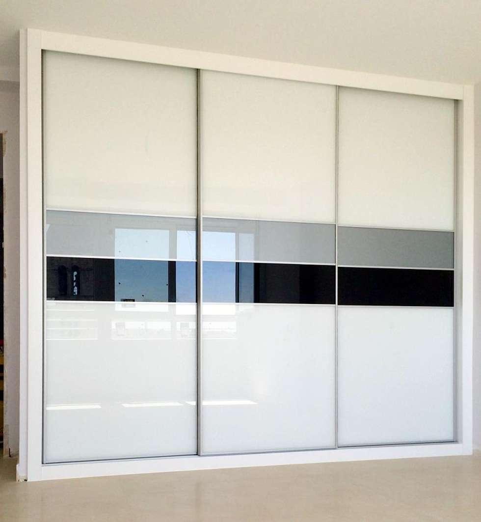 amazing armario japones cristal opaco dormitorios de estilo moderno de arconada armarios with armarios empotrados modernos - Armarios Empotrados Modernos