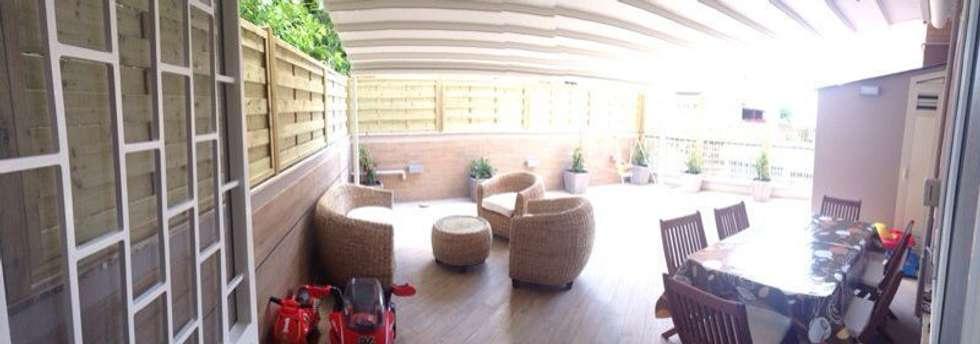 Intervento di Ristrutturazione di un appartamento zona Monteverde, a Roma .: Terrazza in stile  di NicArch