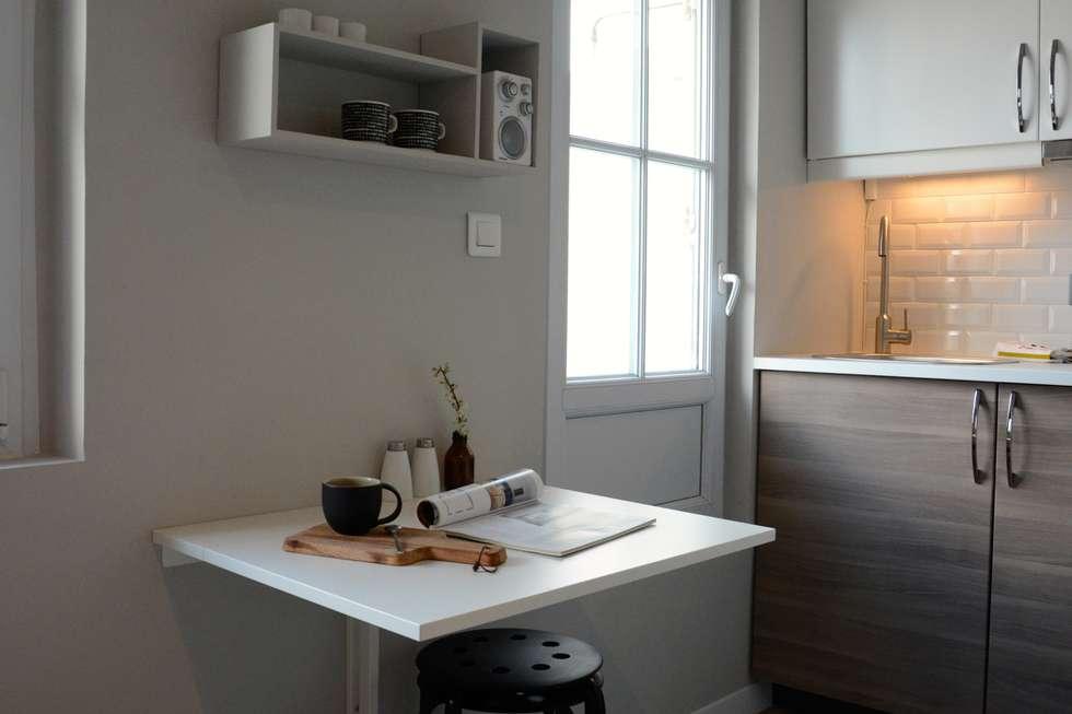 Coin repas / cuisine: Cuisine de style de style Moderne par Insides