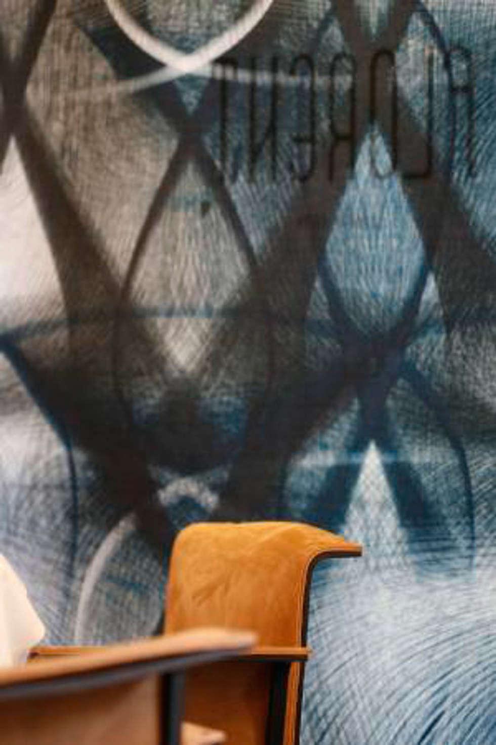 restaurant Florent ,fabric panels, Utrecht:  Gastronomie door Workingbert