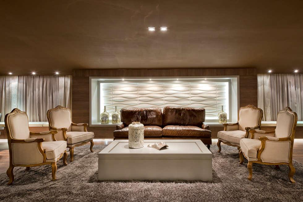 Loft de 250m²: Salas de estar modernas por Riskalla & Mueller Arquitetura e Interiores
