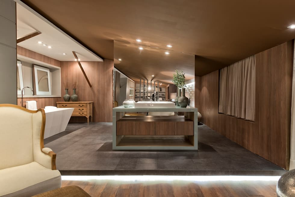 Loft de 250m²: Banheiros modernos por Riskalla & Mueller Arquitetura e Interiores