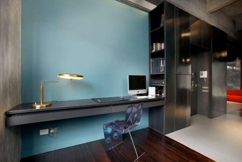 MG2 architetture - Interior - Loft: Studio in stile in stile Industriale di mg2 architetture