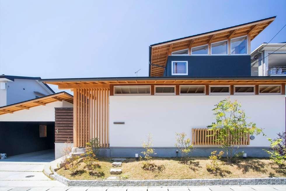 江戸時代からの町並みを継承する町、愛媛県内子町の住宅: Y.Architectural Designが手掛けた家です。